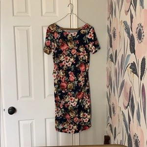 Maternity navy floral ruched dress